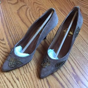 Vintage Amour Brown Suede with Leaf Accent Size 8